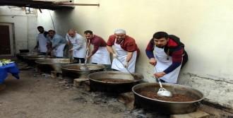 Kazanlarda Pişirilmeye Başlandı