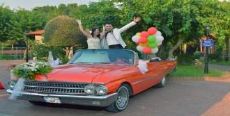 Klasik Otomobiller Düğünlerin Gözdesi
