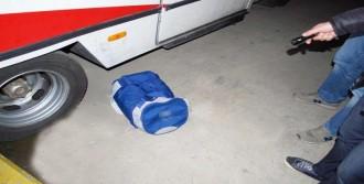 Kokain Dolu Çantayı Bırakıp Kaçtı