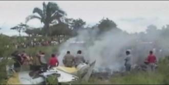 Helikopter Ormana Çakıldı 15 Ölü