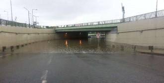 Köprü Altı Sular Altında