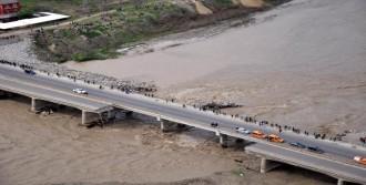 Köprü Faciasında 4 Kişi Hala Kayıp