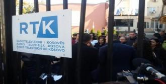 Kosova'da Protesto