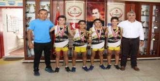 Köy Çocuklarının Azmi Şampiyonluk Getirdi