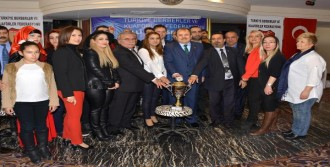 Kuaförler 'Milli Takım' İçin Yarıştı