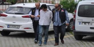 'Kürdistan' Yazılı Tişörtle Sandığa Gitti, Tutuklandı
