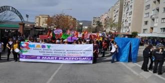 Kürtçe Slogana Türk Bayraklı Tepki