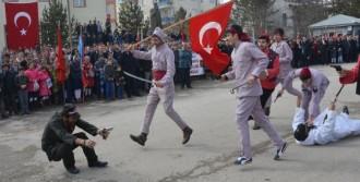Kurtuluş Coşkusunda Ermeni Katliamı Canlandırıldı