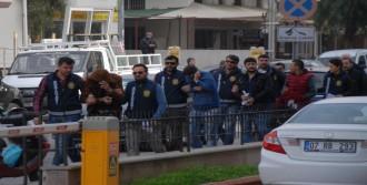 Kuşadası'nda Aranan 5 Kişi Yakalandı