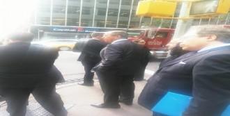Lavrov, Toplantıya Yürüyerek Gitti