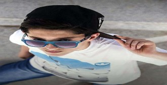 Liseli Genç Otomobil Kazasında Öldü