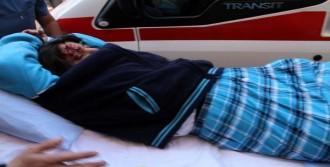 Liseli Kız Ağır Yaralandı