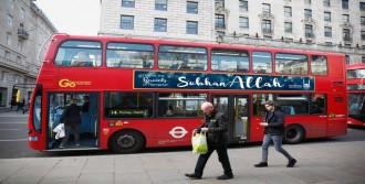 Londra Otobüslerine 'Subhan Allah' Yazısı