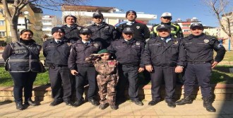 Lösemi Hastası Küçük Olcay'a Polis Şefkati