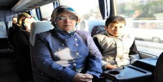 Otobüslerle Akhisar'a Gittiler