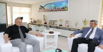 Balkız'dan İlk Ziyaret Başkan Ergün'e