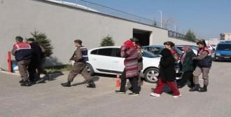 Manisa'daki Çifte Cinayete 5 Gözaltı