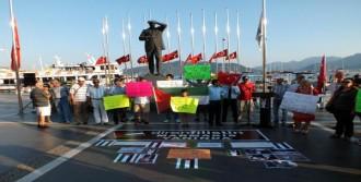 İngilizce Ve Kürtçe Afişli İsrail Protestosu
