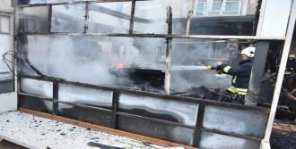 Otel yangını panik yarattı