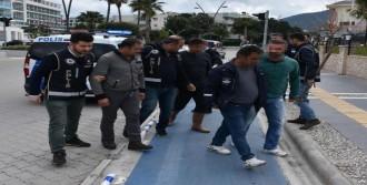 Kaçak Kazıya 5 Gözaltı