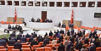 Meclis'te Soma İçin Saygı Duruşu