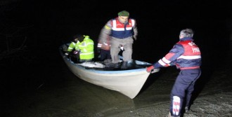 Tekne Alabora Oldu, 2 Kişi Kayboldu