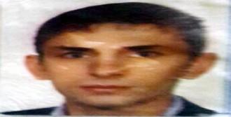 Mescit Tuvaletinde Aşırı Dozda Uyuşturucudan Öldü