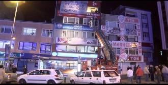 MHP Binasına Asılan Pankart İndirildi