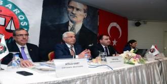 'Türkiye'de Anayasa Askıdadır'