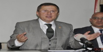 'Başımızda Başbakan Değil Diktatör Var'