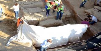 Milas'taki O Yapı Oda Mezar Çıktı