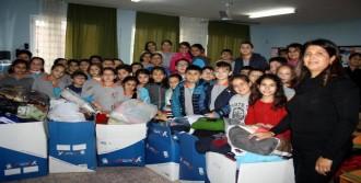 Miniklerden Bayır Bucak Türkmenlerine Yardım