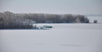 Mogan Gölü Dondu