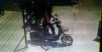 Motosikleti 21 Saniyede Çaldılar