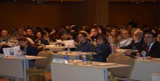 Mültecilerin Çalışma İzni Konferansta Tartışıldı