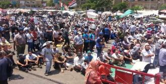 Mursi Taraftarları Meydanlarda