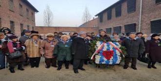 Nazi Soykırımı Kurbanları Anıldı