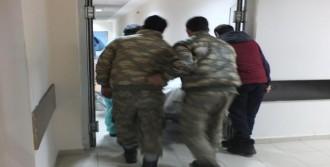 Nöbette Vurulan Asker Hayatını Kaybetti
