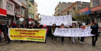 Öğrenciler Gözaltılara Karşı Yürüdü