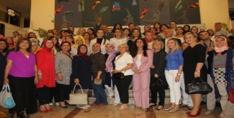 Ödül Töreninde CHP'li Belediyeleri Eleştirdi