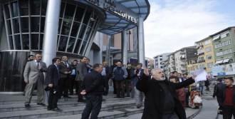 Öfkeli Fırıncı Belediyeyi Bastı