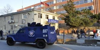 İki Polis Darp Edildi