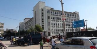 Molotofokteylleri Polisi Alarma Geçirdi