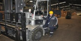 8 Kadın Forklift Operatörü