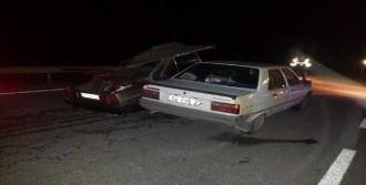 Sürücü Öldü, Kardeşi Ağır Yaralı