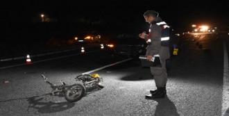 Otomobil, Elektrikli Bisiklete Çarptı