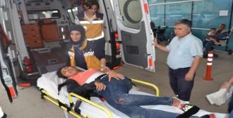 Otomobil Karşı Şeride Geçti: 1'i Ağır 5 Yaralı