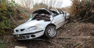Otomobil Şarampole Uçtu, Sürücü Öldü
