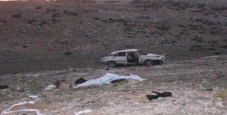 Otomobil Şarampole Yuvarlandı: 1 Ölü, 1 Yaralı