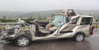 Otomobil, TIR'ın Altına Girdi: 1 Ölü